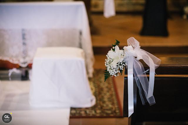 Come allestire banchi chiesa matrimonio