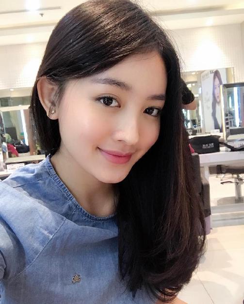 Fakta Natasha Wilona Harus Anda Ketahui [Artis Indonesia Hot]