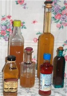 Diferentes vinagres de kombucha aromatizados