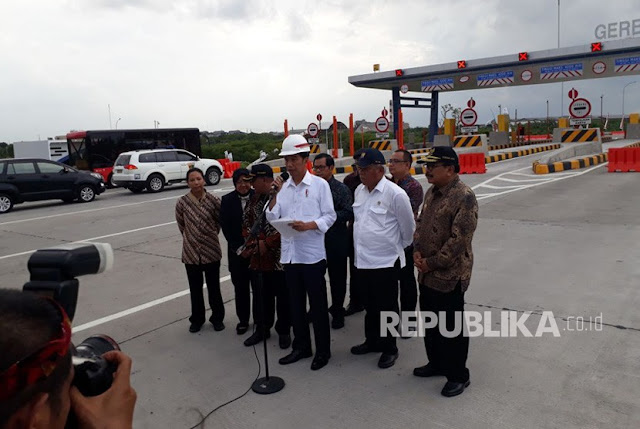 Jokowi Heran Banyak yang Meributkan Pembangunan Jalan Tol