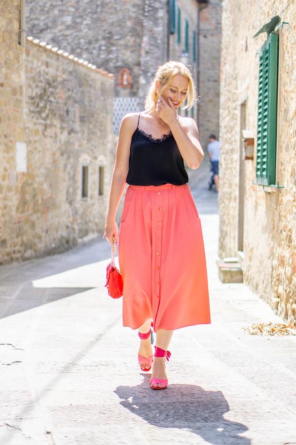 monabyfashion_3_pink_skirt.jpg