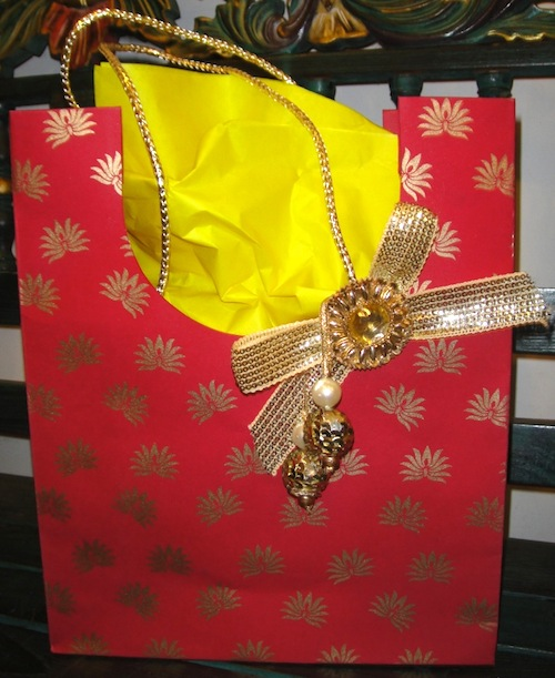 Indian Wedding Gifts Ideas: The Indian Wedding Blog: Welcome Gift Ideas For Your