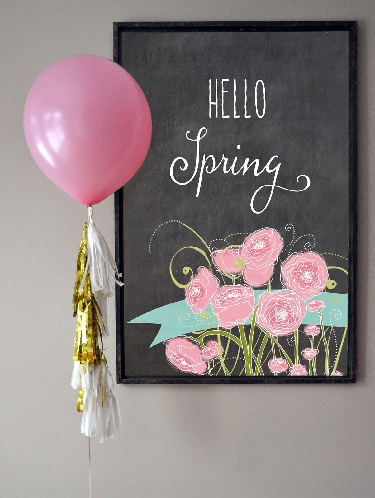 David Tutera tissue and mylar garland kit - add a few tassels to a large balloon for a fun wedding or party photo prop | Creative Bag