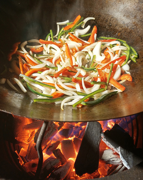 How to stir fry on a big green egg kamado grill