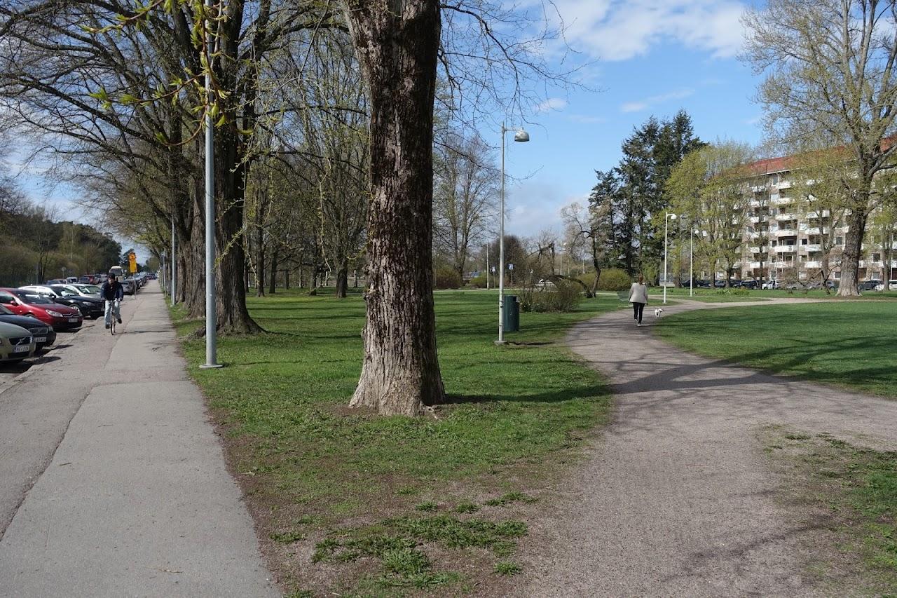 エスペリア遊歩道(Hesperian esplanadi)とエスペリア公園(Hesperiaparken)