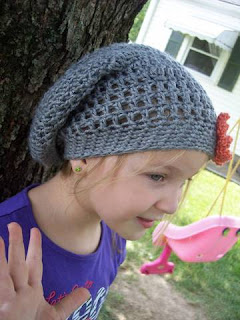 Swirls and Sprinkles: Crochet Slouchy Hat.