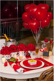 cómo decorar una cena de cumpleaños con globos