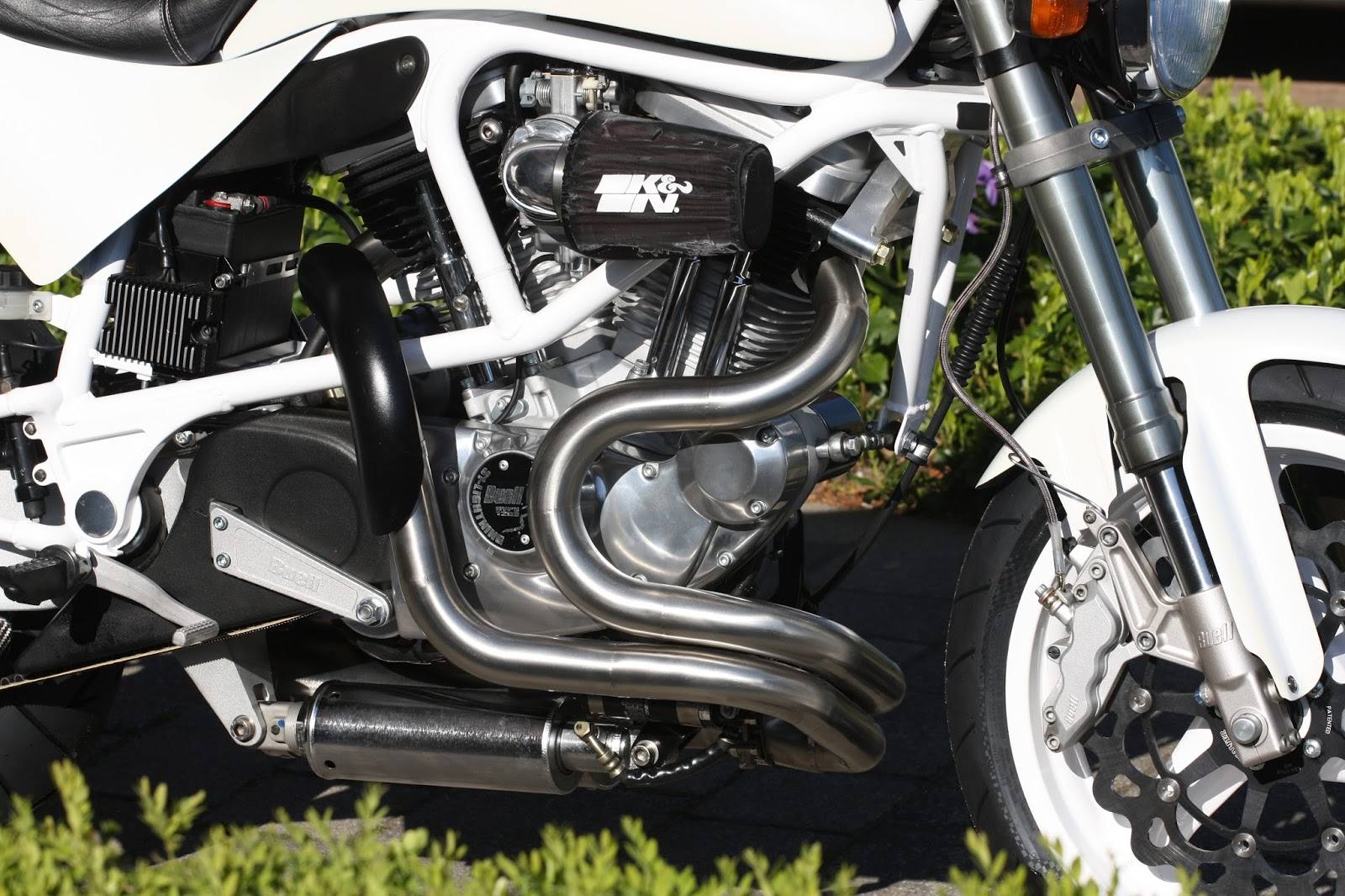 DD Motorcycles: BUELL S1W NUTS AND BOLTS RESTORATION