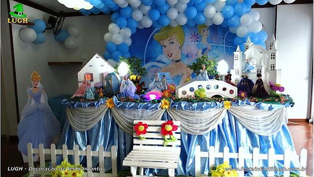Decoração de festa Cinderela tradicional de toalhas versão luxo