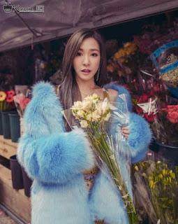 Foto Cantik Tiffany SNSD membawa bunga