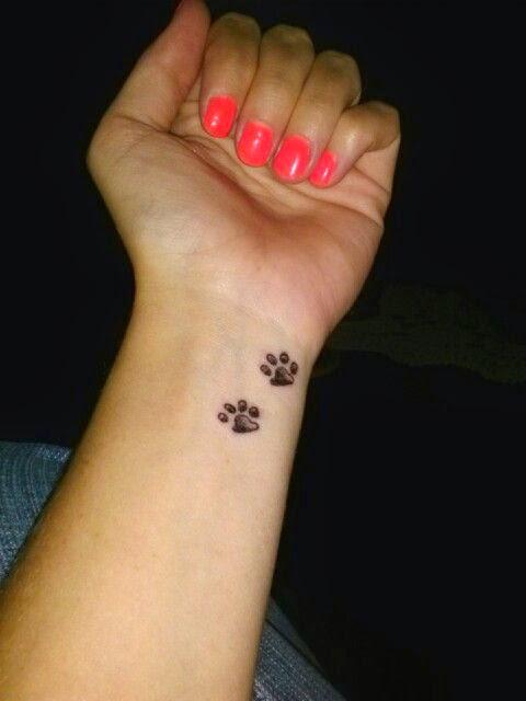 Tatuajes De Patitas De Perro Belagoria La Web De Los Tatuajes