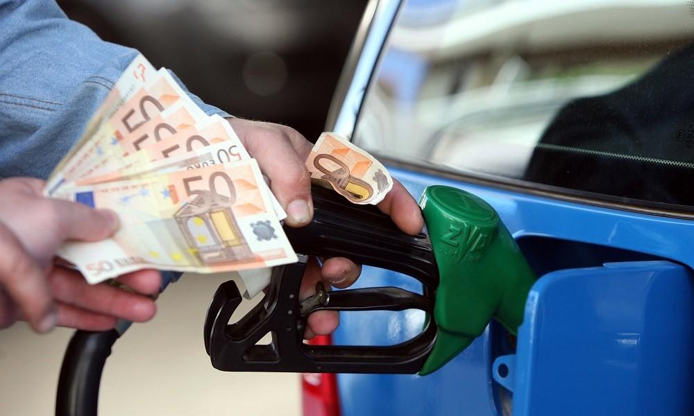 2 ευρώ η αμόλυβδη και στο 1,6 ευρώ το diesel – «Φωτιά» και τα διόδια