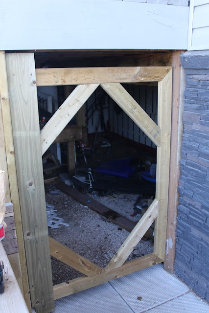 Building a gate for under deck access