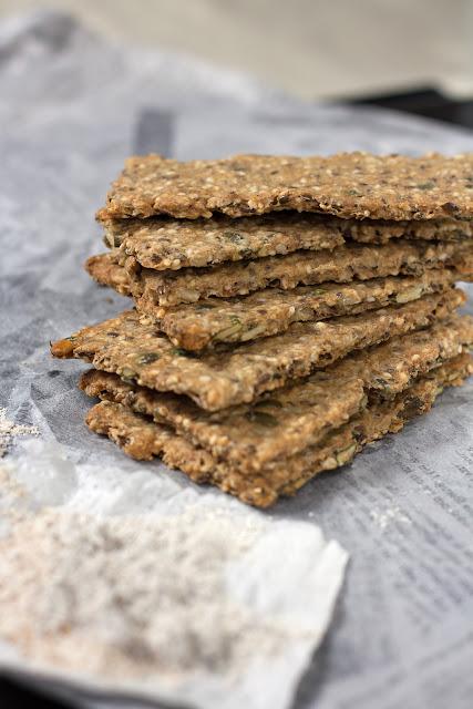 Posni krekeri sa sjemenkama i ovsenim pahuljicama