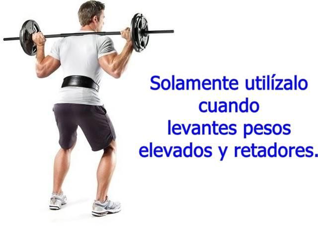 Utiliza el cinturón de gimnasio apretado solamente durante la ejecución del ejercicio