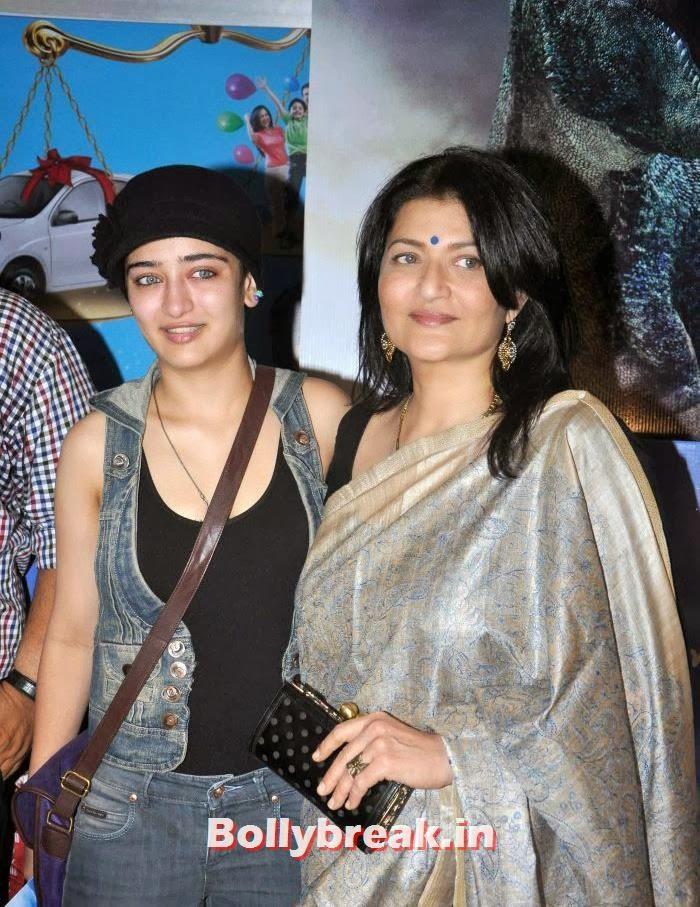 Akshara Haasan, Sarika, Club 60 Special Screening Photo Gallery