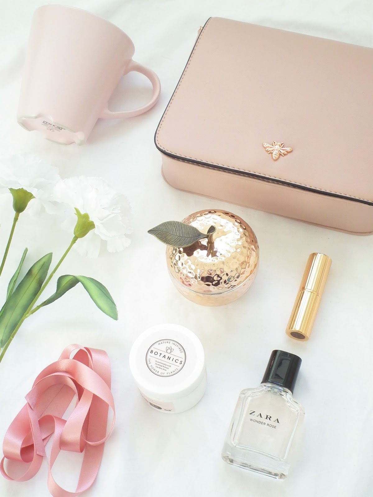 Styling Flatlay Photos - A Step by Step Guide