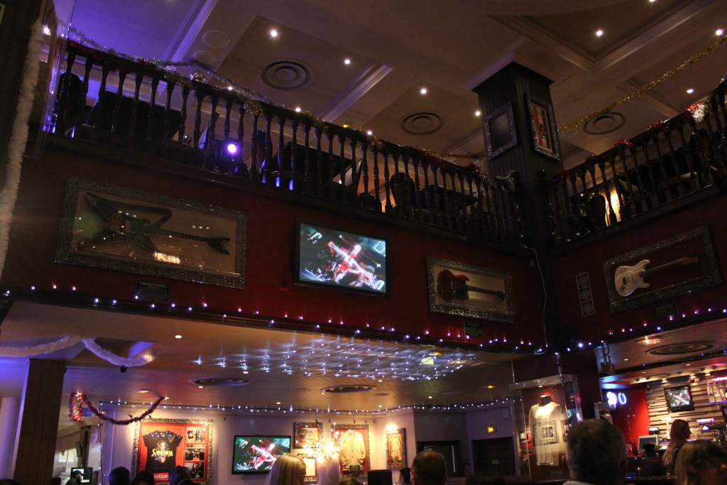 Plat Hard Rock Cafe