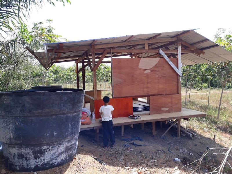 Pondok kecil tepi kebun getah: Part 2