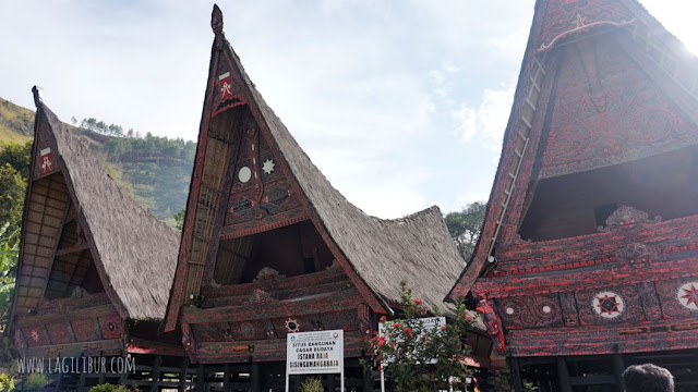 Istana Raja Sisingamangaraja Humbahas