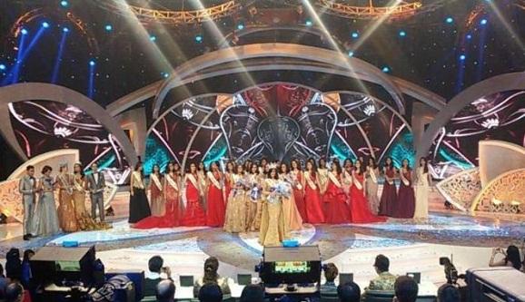 Ini Dia Miss Indonesia 2016, Natasha Manuella atas Jawabannya sukses memukau juri.