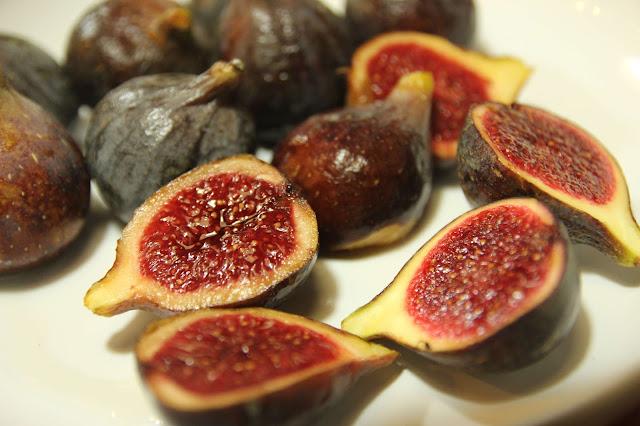 Baked Black Figs Ratafia Gluten-free organic recipe
