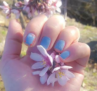 Manicura semipermanente azulón 2