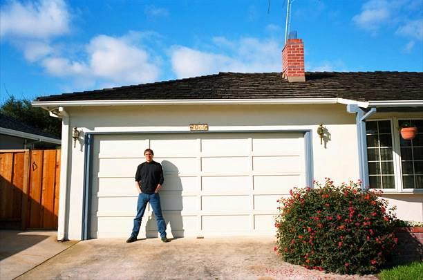 Filem Steve Jobs Bakal Dikeluarkan Dan Penggambaran Di Garaj Usang, Pejabat Pertama Apple