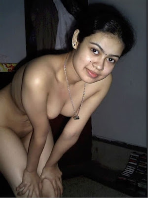 Real House wife Aunty And Bhabhi nude pussy pics hd photos nangi naked aunty housewife and woman porn sex pictures gallery check also Indian bhabhi ki nangi photo Desi bhabhi Surbhi nude boobs pics in saree