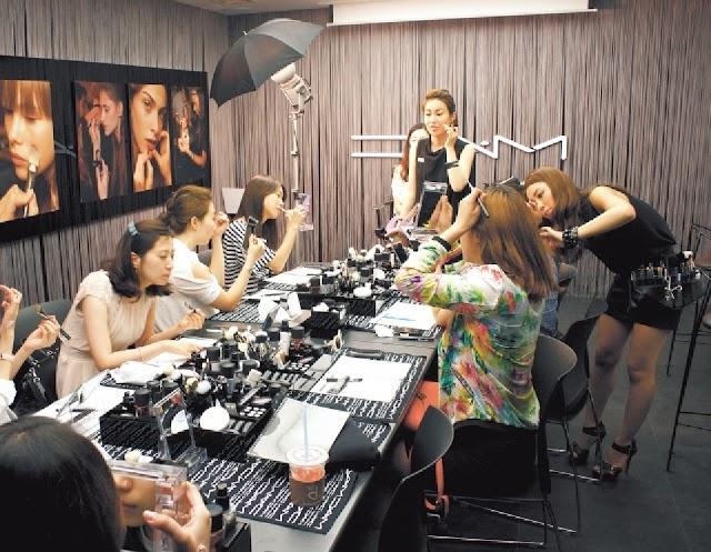 Makeup Artist Schools - Best Makeup Artist Schools