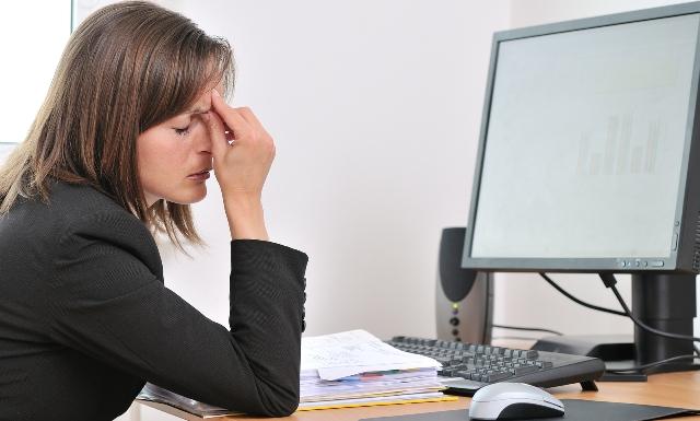 4 Bahan Alami Ini Bisa Membantu Mengatasi Sakit Kepala Akibat Terlalu Lama Di Depan Komputer