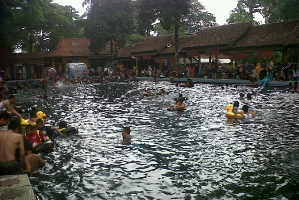 Wisata Cirebon Pemandian Air Cibulan