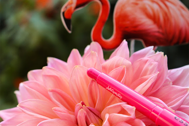 essence-exit-to-Explore-refreshing-lipstick-01-pink-parrot