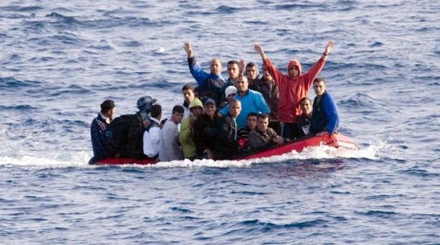 Hurriyet: Οι Τούρκοι διακινητές έριξαν τις τιμές για να προσελκύσουν πρόσφυγες