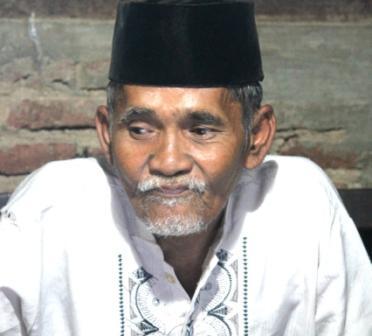 Mbah Manaf, Kiai 65 Tahun yang Mahir Corel Draw Untuk maknai Kitab Kuning