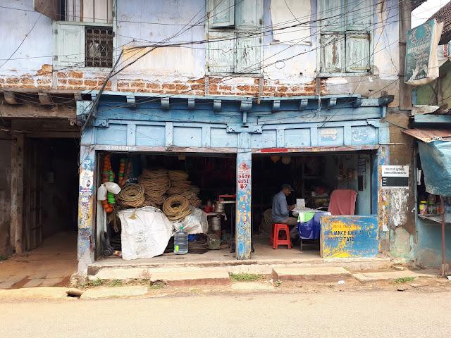 Petite boutique près du quartier juif