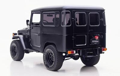 Black Toyota FJ40 Rear Left