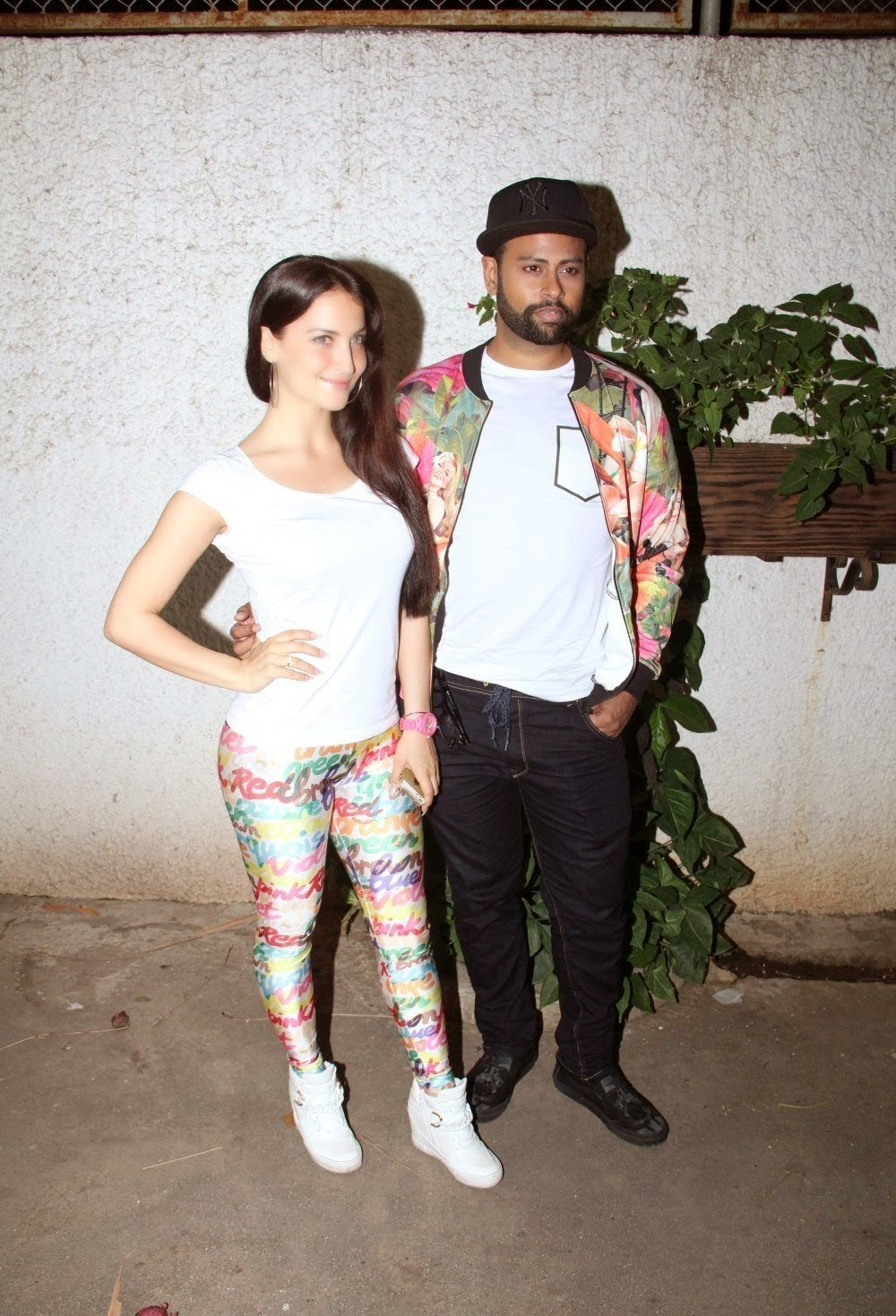 Elli Avram Looks Super Sexy At Film 'Ek Paheli Leela' Special Screening At Sunny Super Sound Cinema ❤ *  ❤