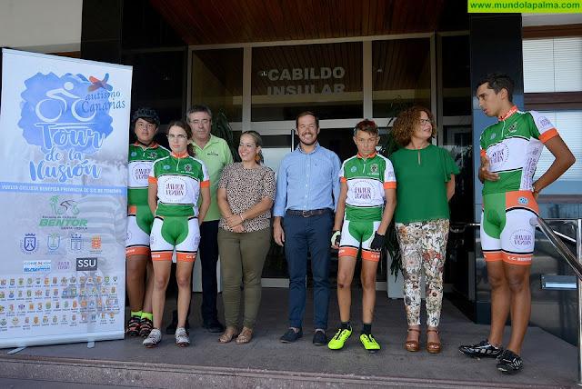 El Cabildo de La Palma recibe a los ciclistas del 'II Tour de la Ilusión'