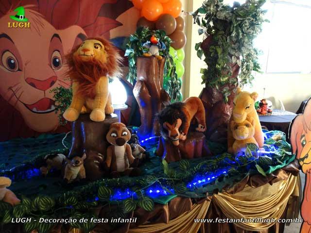 Decoração de aniversário tema Rei Leão - Mesa luxo de tecido