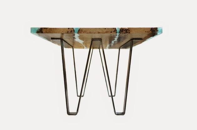 Mesa de madera y resina.