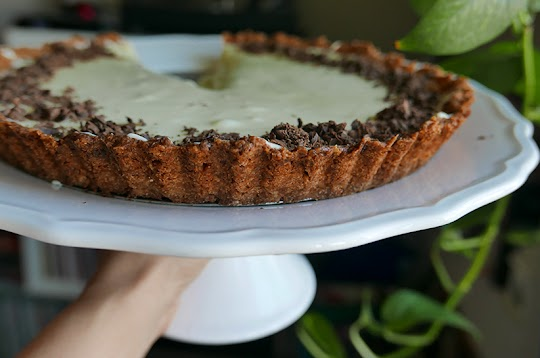 Tarta z kremem z białej czekolady