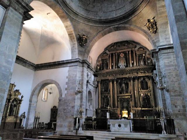 Retablo de la Iglesia de Santa María Magdalena en Cangas del Narcea