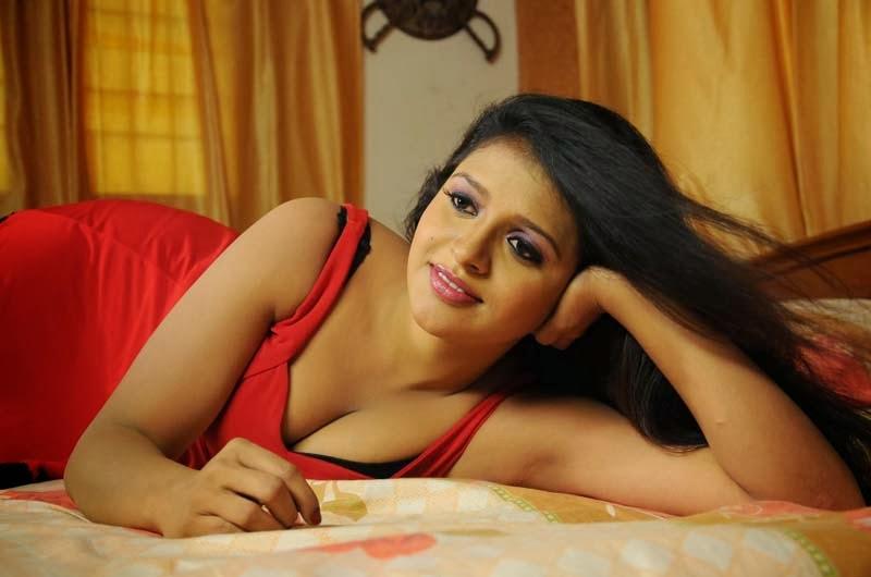 Telugu amma boobs pics seems