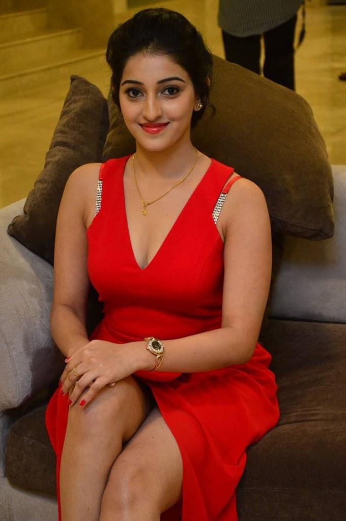 Actress Mouryani hot cleavage show photos