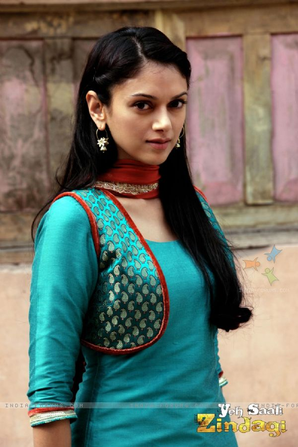Hottest Images Of Aditi Rao (Actress in Ye sali zindagi)
