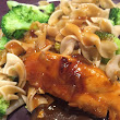 Cranberry Chicken with Egg Noodles and Broccoli