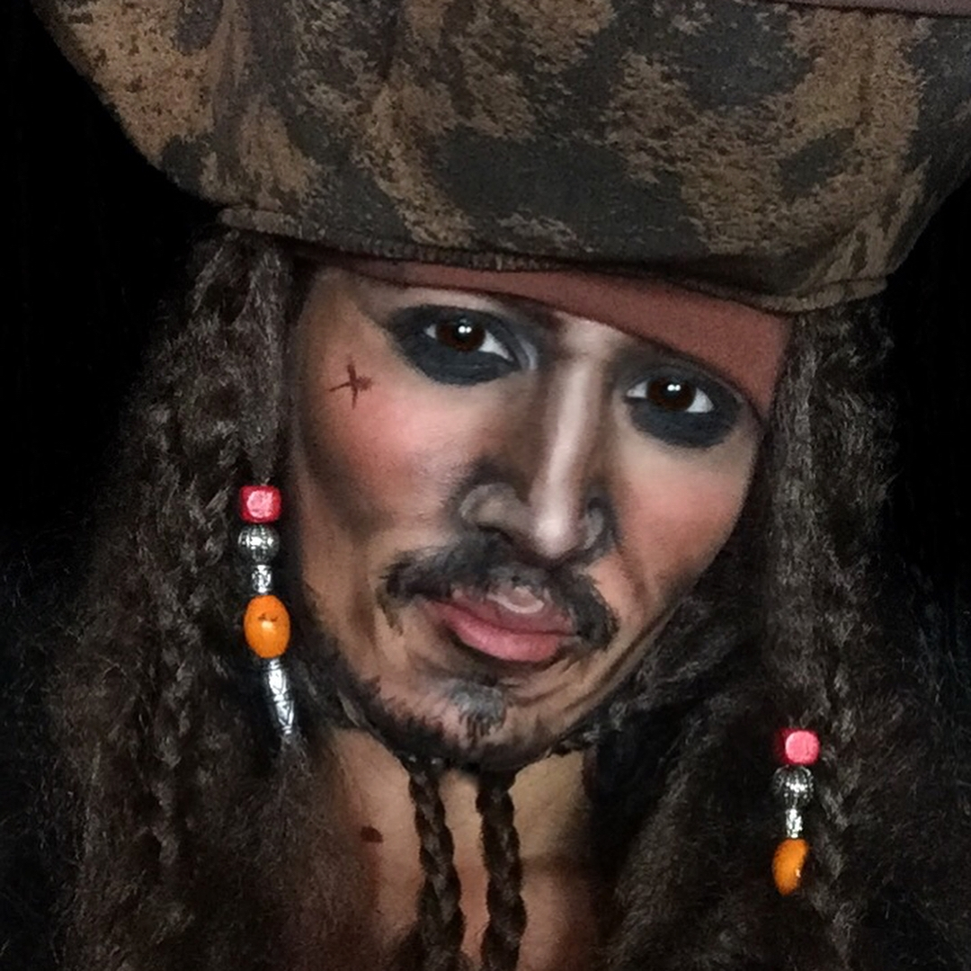 03-Captain-Jack-Sparrow-Jonny-Depp-Samantha-Helen-Face-and-Body-Painter-Able-to-Transform-www-designstack-co
