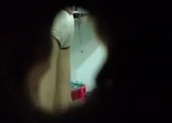 คลิปเจาะรูแอบถ่ายน้องสาวแฟนอาบน้ำ เห็นนมกับหีน้องเมียสวยมากหุ่นxxxน่าเย็ดโคตรๆ