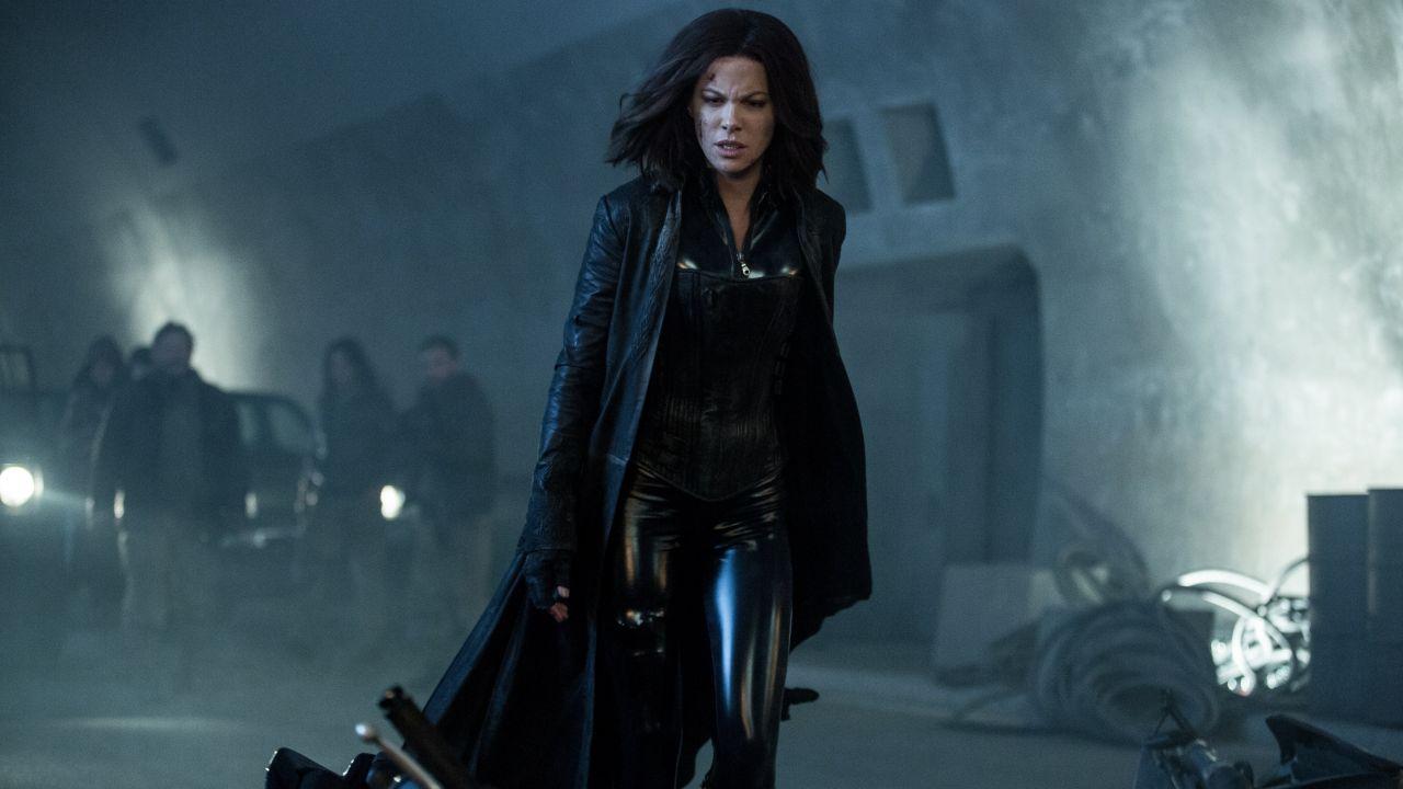 """Kate Beckinsale lidera uma batalha contra os Lycans no trailer inédito """"Anjos da Noite: Guerras de Sangue"""""""